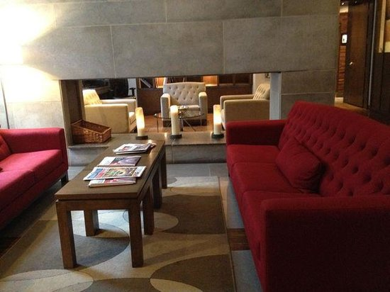 Hotel 71: Sitting area