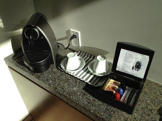 Hotel 71: Room's coffee machine