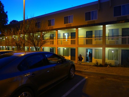 Fairfield Inn Flagstaff: Exterior corridors