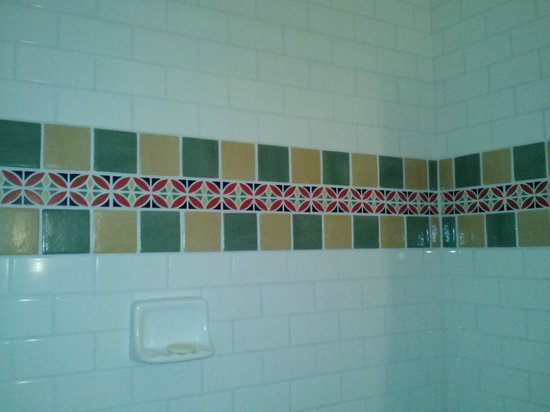 Sonoma Creek Inn: Cute tile