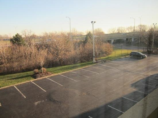 La Quinta Inn Cleveland Airport North : out the window