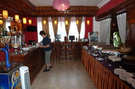 Angkor Pearl Hotel: Breakfast