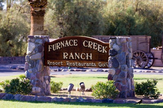 Furnace Creek Inn and Ranch Resort: Schild am Eingang