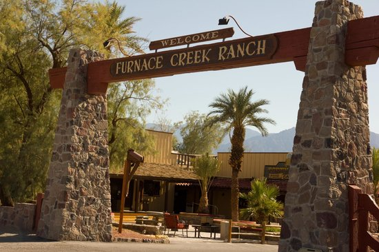 Furnace Creek Inn and Ranch Resort: Eingang