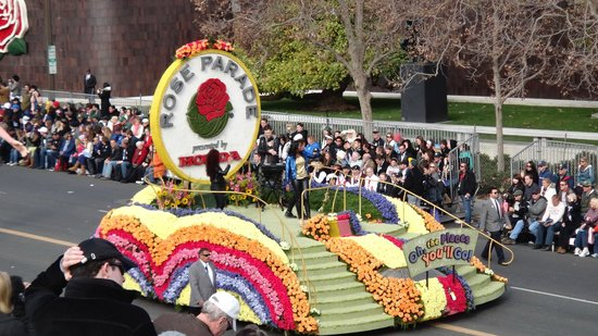 Tournament of Roses Association: Rose bowl Floats