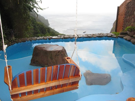 Ladera Resort: Our pool with a swing