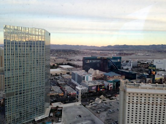 Mandalay Bay Resort &amp; Casino: View from our room on the 9th floor