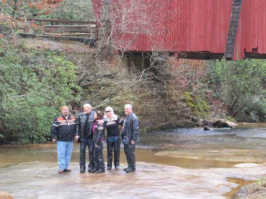 Campbell's Covered Bridge: Photo Ops