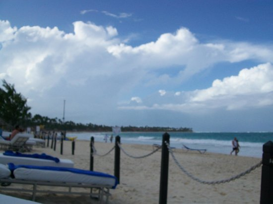Bavaro Princess All Suites Resort & Spa: Our beach area