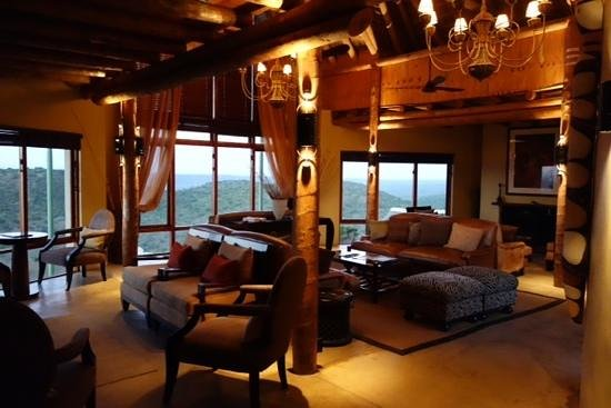 Kuzuko Lodge: The Lounge