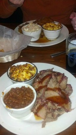 Hickory BBQ Smokehouse: Great brisket!!