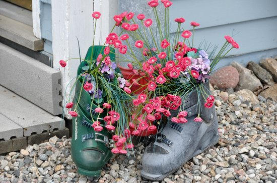 Fireside Inn: Ski boot planters