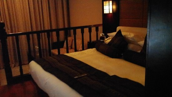 West Lake Hillview International Hotel: King Bed