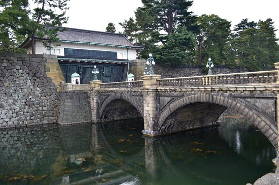 皇居正門 - Picture of Two-tiered Bridge (Ni-ju Bashi), Chiyoda - TripAdvisor