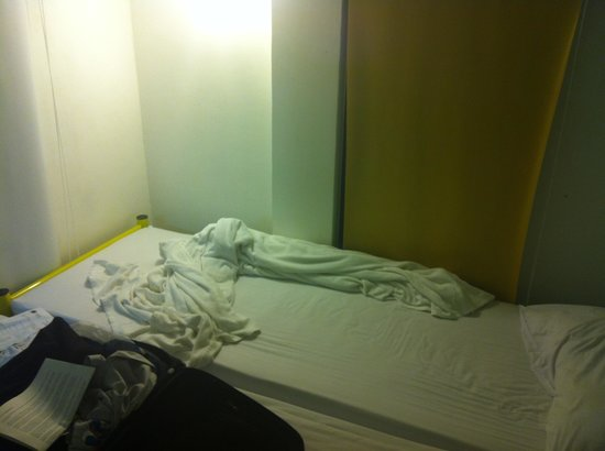 Chilli Bangkok Hotel:                   Same old bed sheets and blanket for days.