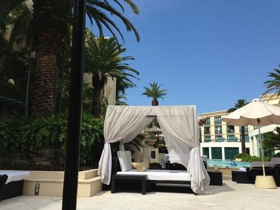 Palazzo Versace: Comfortable refreshing cabanas at the lagoon