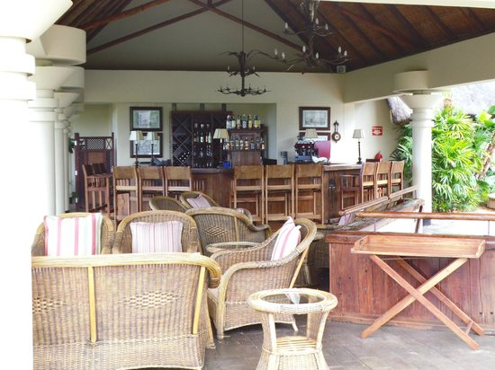 Ilala Lodge: pool bar