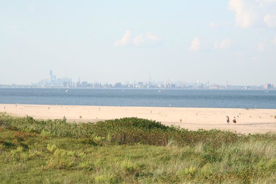 Sandy Hook, NJ: Manhattan Skyline