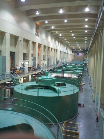 Coulee Dam, วอชิงตัน: inside the Keys Pump Generating Plant