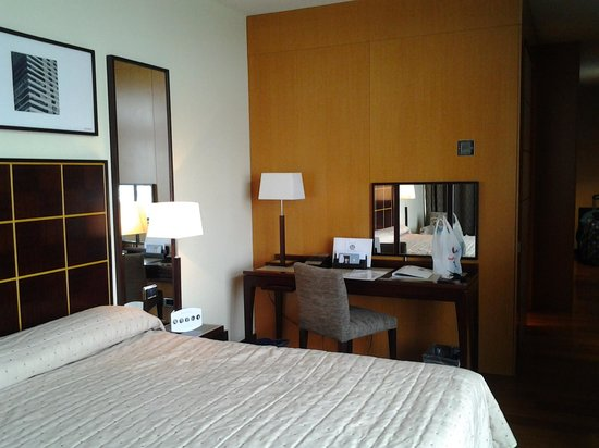 Eurostars Grand Marina Hotel: room interior