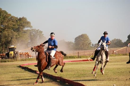 La Tarde Polo Club: jumping the boards
