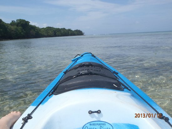Vale Vale Beachfront Villas: Kayaking