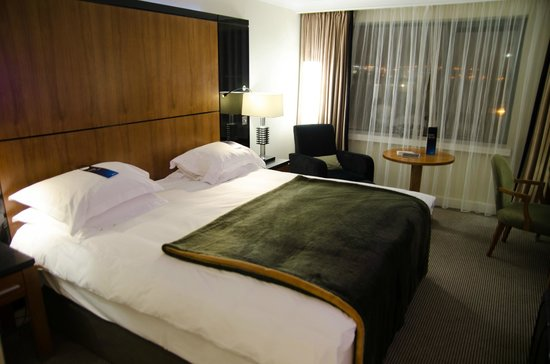Radisson Blu Hotel & Spa, Galway: Bedroom