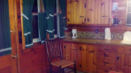 Abe's Spring Street Guest House: The kitchen