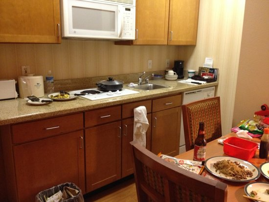 Homewood Suites by Hilton San Francisco Airport North: キッチン
