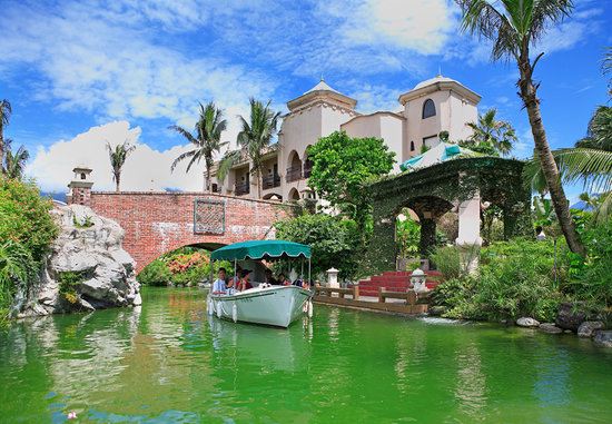 Promised Land Resort & lagoon