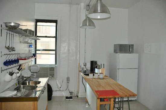 Urban Oasis Hostel & Guest House: The Kitchen - - Urban Oasis NYC
