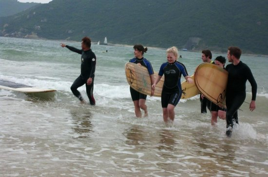 Sanya Backpackers: Surfing trip