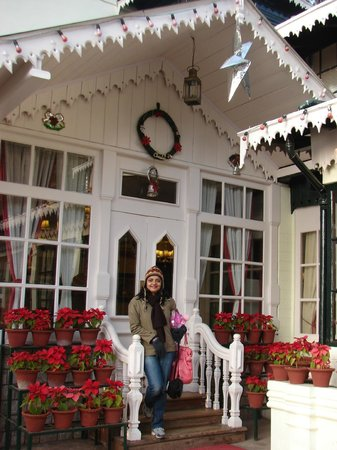 Elgin Darjeeling: Outside the reception