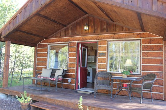 The Reclusive Moose: cabin exterior