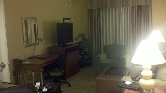 Homewood Suites by Hilton Phoenix Airport South: Homewood Suites Living room