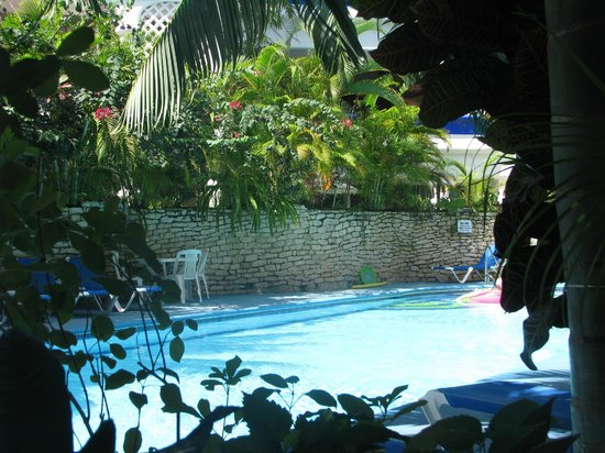 Natz Ti Ha Condominios: pool - limited area at sides but never crowded