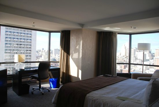Parc 55 Wyndham: Awesome beds