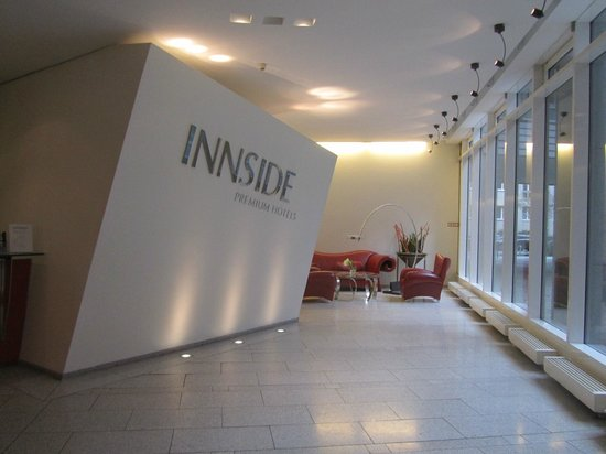 Innside Premium Hotels Berlin: ingresso - reception