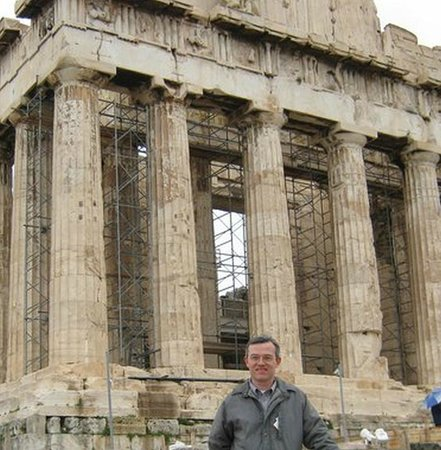 The Athens Gate Hotel: In front of Parthenon in Acropolis, a couple of blocks away from Athens Gate Hotel