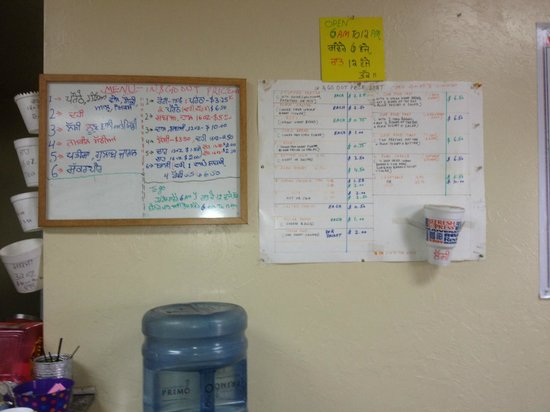 Sayre, Οκλαχόμα: The menu in Hindi and English
