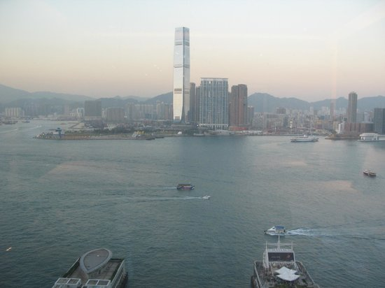 Four Seasons Hotel Hong Kong: 22