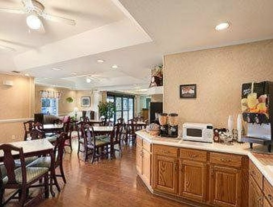 Baymont Inn & Suites Daytona Beach / Ormond Beach: Breakfast 2