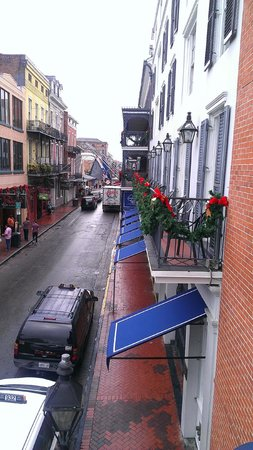 Royal Sonesta Hotel New Orleans: Bourbon Street from the balcony