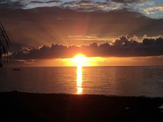 Taveuni Island Resort & Spa: Panoramic sunset view from anywhere on the resort