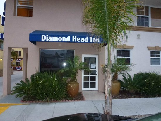 Diamond Head Inn: reception part-time