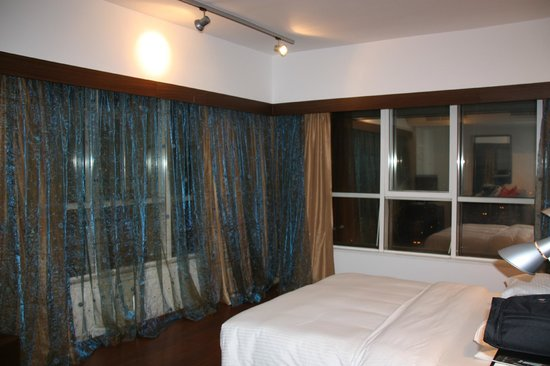 Number One Tower Suites: Main Room, had amazing views