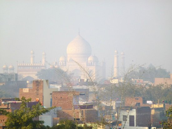 ITCโมกุล,อักรา: View of the Taj from the top of the hotel