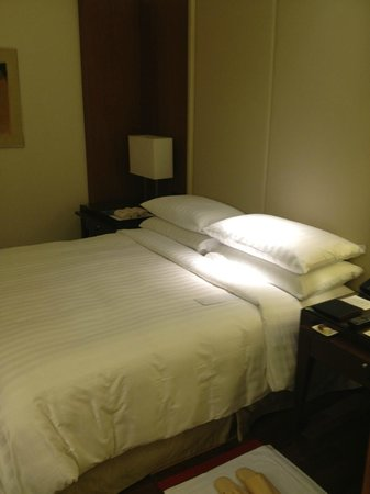 The Oberoi, Gurgaon: bed