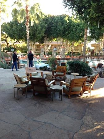 FireSky Resort & Spa - a Kimpton Hotel:                   view from lobby out to the pool