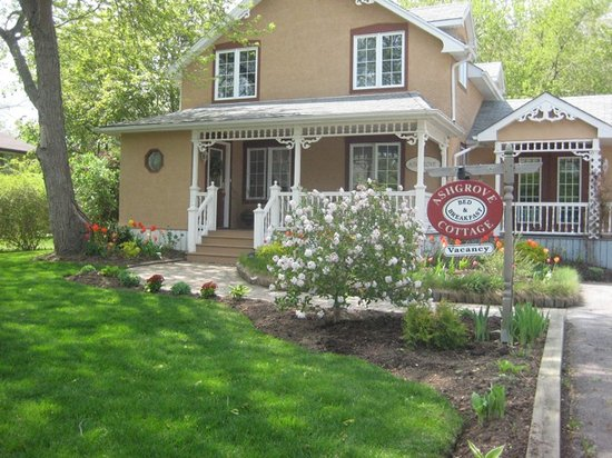 Ashgrove Cottage Bed and Breakfast